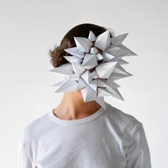 Paper Faces-ok origami daughter try this! Paper Mask, Paper Clay, Origami, Paper Fashion, Fashion Art, Weird Fashion, Fashion Clothes, Body Adornment, Vanitas