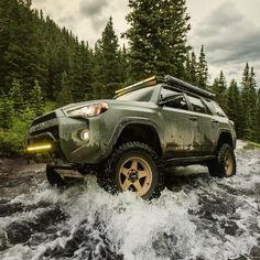 😫 that color. Toyota Trd Pro, Toyota 4runner Trd, Toyota Tundra, Toyota Suvs, Toyota Vehicles, Suv Trucks, Toyota Trucks, My Dream Car, Dream Cars