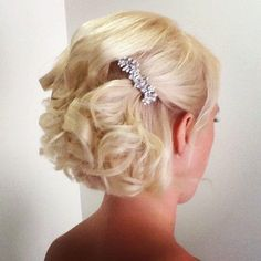 Curly Short Wedding Hairstyles www.hairdesigners.ca