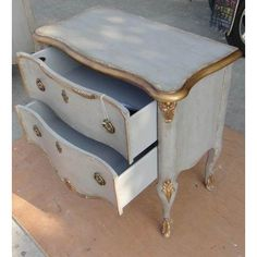 Hooker Furniture French 2 Drawer Chest