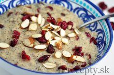 Mliečny bulgur s chia semienkami a brusnicami - FitRecepty