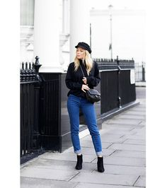Todays Outfit – A Cap, Jumper & Boots.