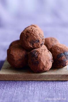 Jouluiset kaura-suklaapallot