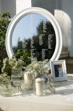 A simple mirror goes the long way. A guest can see where they sit and if the blokes need to sort their hair out quickly. Seating Plan Wedding, Wedding Table, Our Wedding, Tableau Marriage, Wedding Place Settings, Italy Wedding, Planer, Perfect Wedding, Wedding Decorations
