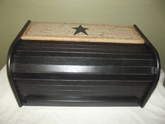 Primitive Crackle Wood Roll Top Bread Box ~ Black Stars ~ Country Decor