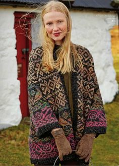 Rowan Knitting and Crochet Magazine design by Martin Storey using a beautiful combination of Colourspun (Wool and Mohair) and Rowan Tweed (Wool). With drop shoulder and edge to edge fastening, this knitting pattern is for the experienced knitter. Rowan Knitting, Rowan Yarn, Fair Isle Knitting, Gilet Crochet, Knit Crochet, Laine Rowan, Tejido Fair Isle, Magazine Crochet, Knitting Magazine