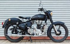 Totally need to see more of these in the States. Crushing on Royal Enfield for sure.