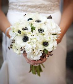 Winter bouquet – Pollen Floral Design is a locally sourced & sustainably grown flower shop in Chicago.