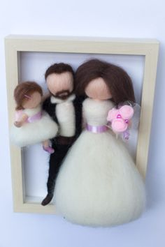 Needle felted, personalized dolls, family portrait in frame, wedding gift Family Portraits, Needle Felting, Wedding Gifts, Dolls, Frame, Diy, Felting, Family Posing, Wedding Day Gifts