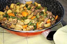 Gerechten zonder pakjes en zakjes #187. Maaltijdpannetje roerbak runderreepjes met groenten en curry (Aviko) -