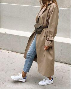 Hijab Fashion 755127062501021726 – J'ai enfin trouvé le trench beige parfait… – Hijab Fashion 2020 Trench Coat Outfit, Beige Trench Coat, Classic Trench Coat, Trench Coat Style, Look Fashion, Winter Fashion, Korean Fashion, Nordic Fashion, Lolita Fashion