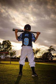 Baseball, little league, photography, baseball photography - Sport Baseball Team Pictures, Softball Photos, Sports Pictures, Senior Pictures, Little League Baseball, Baseball Boys, Baseball Memes, Baseball Girlfriend, Baseball Crafts
