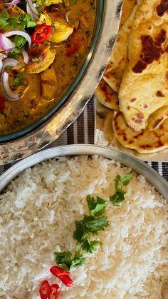 """Luma Amarin on Instagram: """"جاج مسحب ٤صدور مسحبّين منقوعين بلبن وكاري وفلفل أسود وپاپريكا(مقطع مكعبات) بنفرم ناعم كوب كزبره فلفل أحمر بصله نصف كوب ملعقه كبيره…"""" Jordan Royal Family, Curry, Ethnic Recipes, Food, Curries, Essen, Meals, Yemek, Eten"""