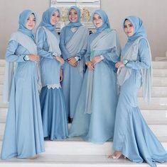 Wah, Ini Dia Ide Gaun Bridesmaid untuk Hijabers yang Sedang Populer Saat Ini | Muslim | beautynesia Hijab Dress Party, Hijab Style Dress, Hijab Chic, Dress Muslim Modern, Muslim Dress, Muslim Fashion, Hijab Fashion, Fashion Dresses, Kebaya Dress