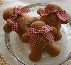 Gingerbread Men w/ Red Gingham Ribbons