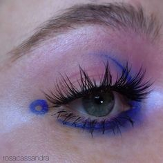 "156 gilla-markeringar, 4 kommentarer - cassandra (@rosacassandra) på Instagram: ""I always kinda hated blue but now i'm like ???why???♂️ @makeupforeverofficial Bright Blue from…"""