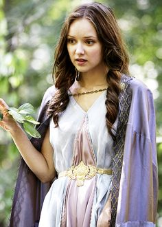 Alexandra Dowling in as Queen Anne in The Musketeers Season 1 (2014).