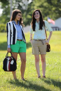Classy Girls Wear Pearls: Gaspee Point Lookout {Rolled up khaki bermuda shorts; I might actually try this look} 40s Outfits, Preppy Outfits, College Outfits, Preppy Style, My Style, Preppy Clothes, School Outfits, Khaki Shorts Outfit, Preppy Wardrobe