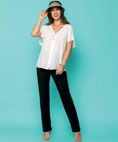 Casual plus sizes everyday outfit 😍 #vayagr #boutique #thessaloniki #greece #trousers #blouse #blackandwhite #fashion #style #ootd #plussizes