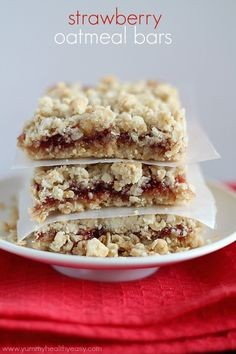 Strawberry Oatmeal Bars   delicious bars using only a handful of easy ingredients (cake mix & strawberry jam!) to make the fastest and yummiest dessert!