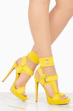 4a04408589 69 melhores imagens de Yellow Shoes em 2019