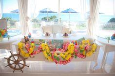 ハワイの思いがふんだんに盛り込まれた素敵なメイン席でした。|ウェディングフォト|ブライダルフォト|Paseo Bridal http://www.onuki.tv/bridal
