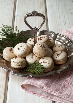 This Christmas, make spiced eggnog macarons to serve to your holiday guests.