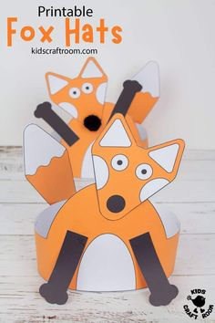 This printable Fox Hat craft is super cute and easy to make. Such a fun fox craft for preschoolers. The head, arms and tail can all be glued in different positions to create lots of different looks. A lovely autumn craft or to go with forest animal or nocturnal study units. (Printable fox craft template in B/W and full colour.) #kidscraftroom #kidscrafts #foxcrafts #autumncrafts #fallcrafts #printable crafts #papercrafts