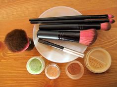An introduction to mineral makeup #beauty #younique #mineralmakeup http://youniqueproducts.com/Jess