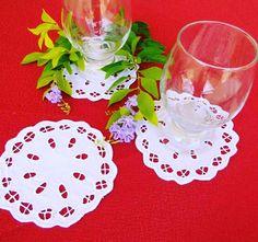 Decore sua mesa 😍 KIT PORTA XÍCARA/COPO BORDADO RICHELIEU-IMPERIAL (6 PÇS.) - Tecido Percal 230 Fios 100% Algodão. - Tam. 10cm Diâmetro. - Linha 100% Algodão.  Em MESA.  http://www.bordadosdoceara.com.br/produtos/mesa/kit-porta-xicara-copo-bordado-richelieu-imperial-6-pcs-detail.html #portaxicaras