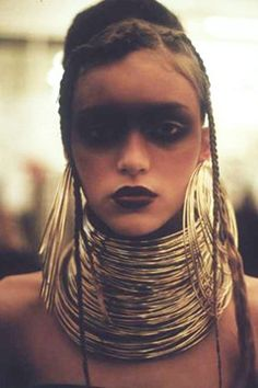 Shaun Leane designed & made this for the Alexander McQueen A/W 2000 catwalk show 'Eshu'