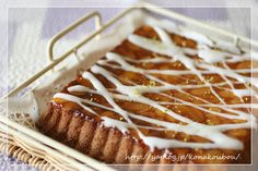 almond buttercake with icing