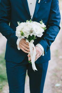 księga gosci, bukiet ślubny, bukiet, wedding bouquet, rustic wedding, flowers, len, juta, wiśnie, rustykalny, rustic, wedding, decor, rustykalne wesele, eko, dekoracje, dekoracja na stole, kwiaty, wesele   zdjęcie:  PhotoDuet         florystyka, dodatki, poligrafia: minwedding