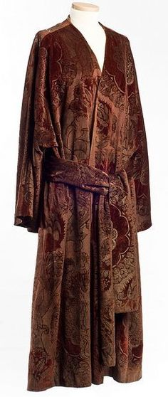 Evening coat, c. 1920, by Mariano Fortuny. From the collections of the Charleston Museum.