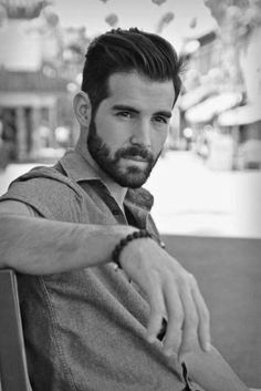 Manly Medium Hairstyles For Men With Thick Hair