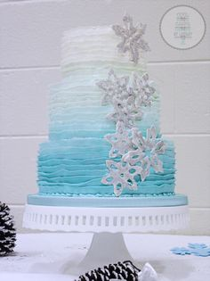 Snowflake Cake Frozen Cake blue Ombre ruffles - frosting on the middle tier Frozen 3rd Birthday, Themed Birthday Cakes, Themed Cakes, Birthday Parties, Birthday Ideas, Frozen Theme, Frozen Party, Disney Frozen Cake, Buttercream Ruffle Cake