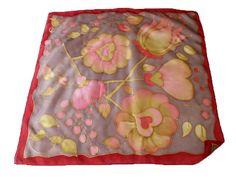 Fesd meg saját selyemkendődet a kezdő selyemfestés tanfolyamon!  www.silkyway.hu/selyemfestes-tanfolyam Pot Holders, Scarves, Silk, Potholders
