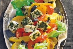 Mozzarella mit Orangen-Paprika-Salat