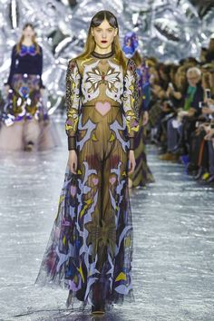 Mary Katrantzou Fashion Show Ready To Wear Collection Fall Winter 2016 in London