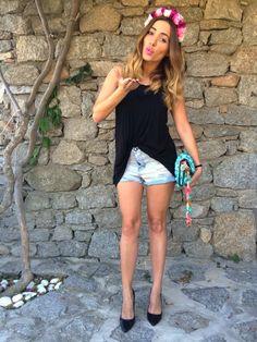#flower #kiss #summer #mykonos #greece #greek #island #kisterss #oneteaspoon #zaradaily #zaragreece #zaraitalia #mia #opstyle #forever21 #mmissoni