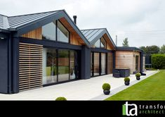Fitting in – Transform Architects – House Extension Ideas, Disabled Adaptations, Contemporary Residential Architects, House Renovation Ideas, Kitchen Extension Ideas Cedar Cladding House, Wooden Cladding Exterior, Timber Cladding, Modern Bungalow Exterior, Exterior House Colors, Exterior Design, Scandinavian House, Bungalow Extensions, House Extensions