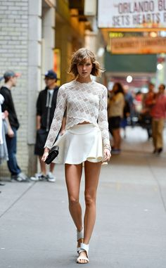 10/6/13 - Karlie Kloss on set of a photoshoot in NYC.