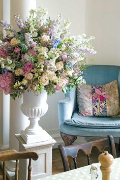 Philippa Craddock | Flower Arranging Ideas (houseandgarden.co.uk)