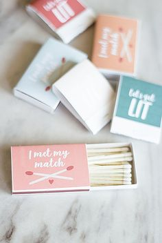 Make your own adorable and colorful DIY matchbook wedding favors with this tutorial with six FREE printables for every wedding color. Diy Wedding Backdrop, Wedding Decorations On A Budget, Diy Wedding Flowers, Cute Wedding Ideas, Unique Wedding Favors, Wedding Tips, Wedding Gifts For Groom, Bride And Groom Gifts, Do It Yourself Wedding