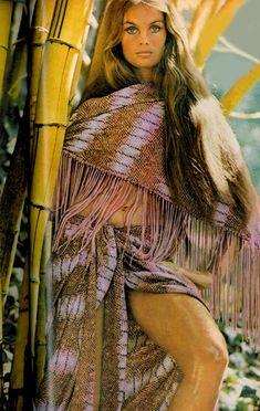 Jean Shrimpton photographed by David Bailey for Vogue, 1970 Seventies Fashion, 70s Fashion, Fashion History, Fashion Models, Vintage Fashion, Turkish Fashion, Vogue Fashion, Vintage Outfits, Patti Hansen