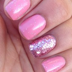 Love the glitz on all the nails