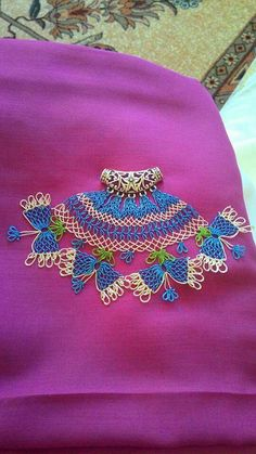 This Pin was discovered by Ebr Needle Lace, Blouse Styles, Hand Embroidery, Knots, Elsa, Needlework, Captain Hat, Boho, Handmade