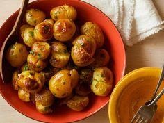 Get Yukon Gold Potatoes: Jacques Pepin Style Recipe from Food Network Golden Potato Recipes, Easy Potato Recipes, Top Recipes, Side Dish Recipes, Cooking Recipes, Vegetarian Recipes, Chicken Recipes, Dinner Recipes, Skillet Recipes