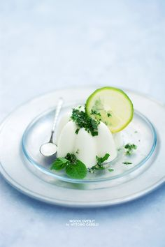 Mojito and yogurt Pannacotta. The perfect dessert, fresh and delicious, for your menu ;)  The recipe on http://noodloves.it/panna-cotta-allo-yogurt-mojito/    Tags. Lime, Mint, Lemon, Cocktail, Yummy, Christmas