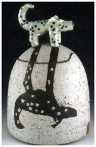 Shadow Dog pot of VisGirda – Ceramic Art, Ceramic Pottery Ceramic Boxes, Ceramic Clay, Ceramic Pottery, Pottery Art, Slab Pottery, Pottery Studio, Pottery Ideas, Ceramic Animals, Clay Animals